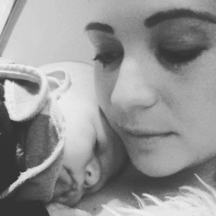 Wanneer gaat mijn kind bij borstvoeding doorslapen?