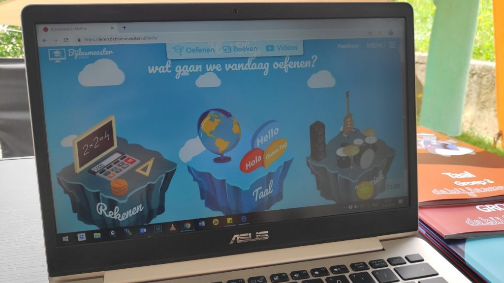 zelf je kind les geven op een lange reis / review de Bijlesmeester / online leerwereld