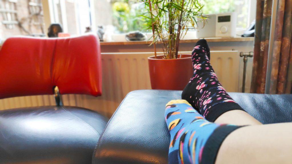 happy socks; twee verschillende vrolijke sokken