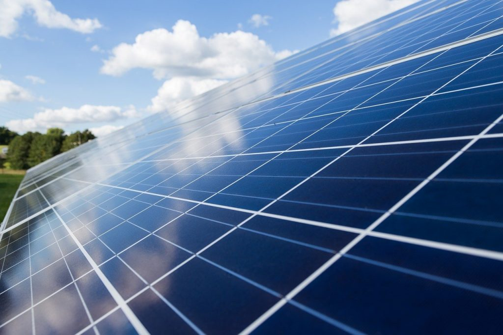 Zonnepanelen op je dak? 5 diverse ervaringen van zonnepaneel gebruikers zelf! (interviews)*