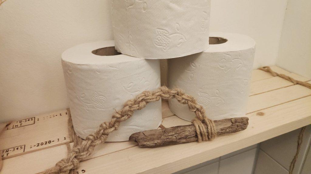 toiletrollen opbergen - www.mamasjungle.nl